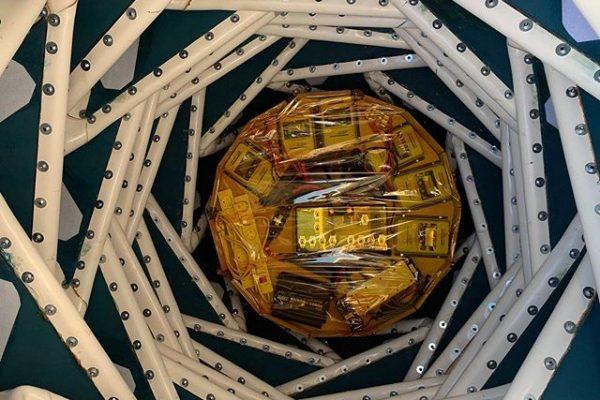 sunbeam-system-moonray-MPPT-solar-charge-controller-lunark-mission